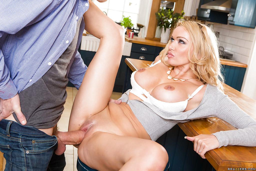 Free Amber Jayne Anal Porn Pics