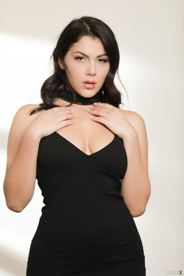 Incredible Italian brunette Valentina Nappi seduces a