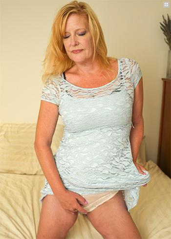 Horny blonde mom