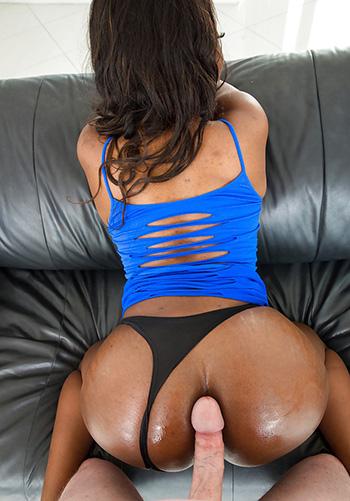 Black chick Skyler Nicole
